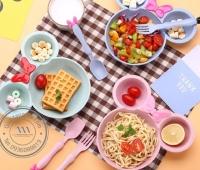 Bộ dụng cụ ăn cho trẻ em Levant - Thân thiện với môi trường