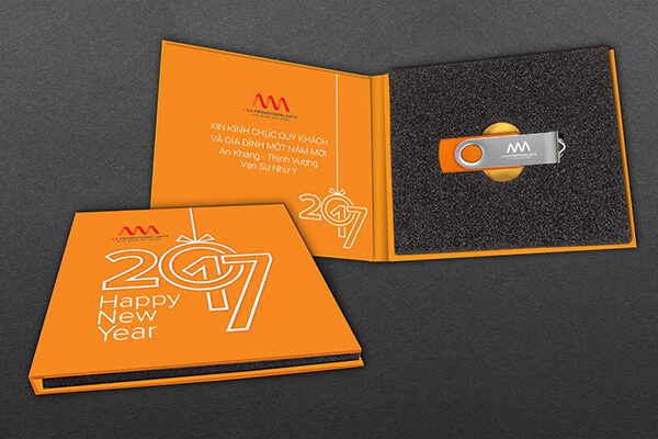 Quà tặng doanh nghiệp USB in logo mẫu 1