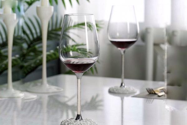 Quà tặng doanh nghiệp ly rượu vang cao cấp mẫu 1