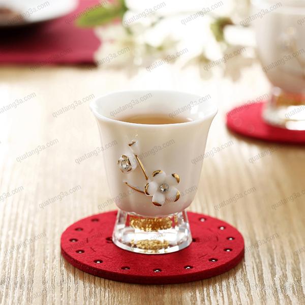 Cốc uống trà hoa mai mạ vàng đính đá Swarovski - hình chuông