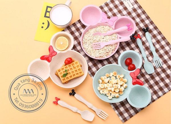 Bộ dụng cụ ăn cho trẻ em Mickey Levant - Thân thiện với môi trường