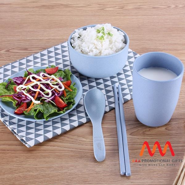 Quà tặng doanh nghiệp Bộ dụng cụ ăn in logo mẫu 1