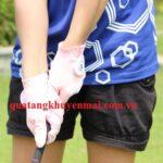 Găng tay chơi golf