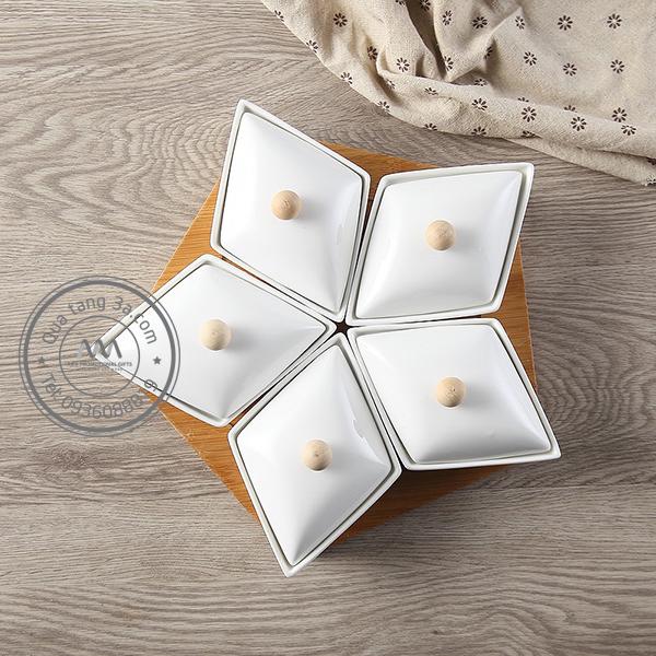 Khay đựng bánh mứt kẹo sứ Tết 2019 hình Ngôi sao
