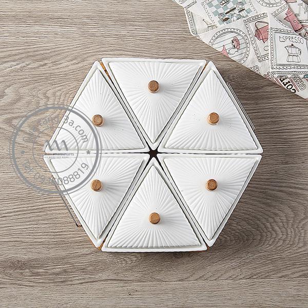 Khay đựng bánh mứt kẹo sứ Tết 2019 hình Lục giác