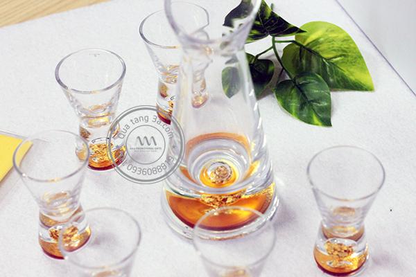 Quà tặng doanh nghiệp bộ ly rượu in logo mẫu 1