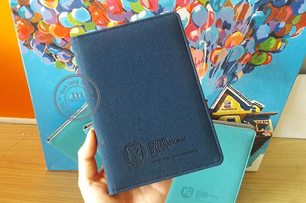 Quà tặng doanh nghiệp PassPort Cover in logo mẫu 1