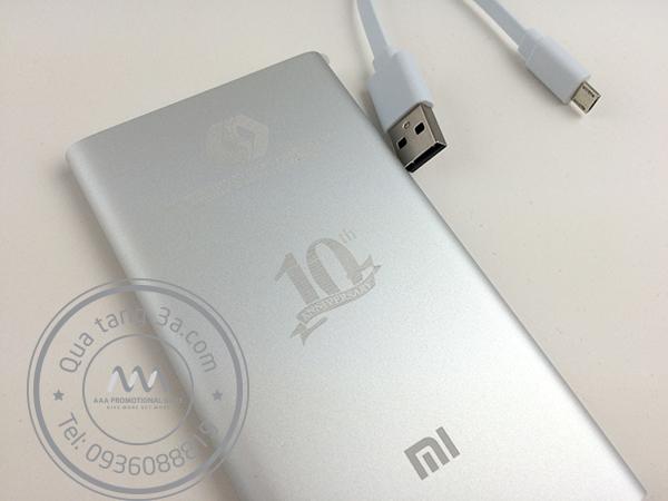 Quà tặng doanh nghiệp pin sạc dự phòng in logo mẫu 2