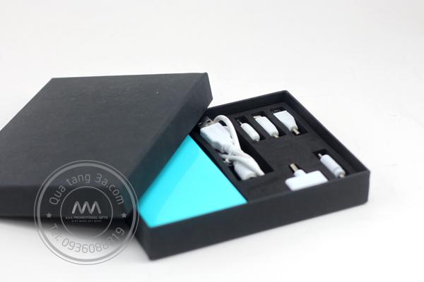 Quà tặng doanh nghiệp pin sạc dự phòng in logo mẫu 1