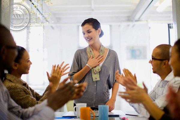 Công nhận và khen ngợi công khai là điều nhân viên mong đợi từ sếp