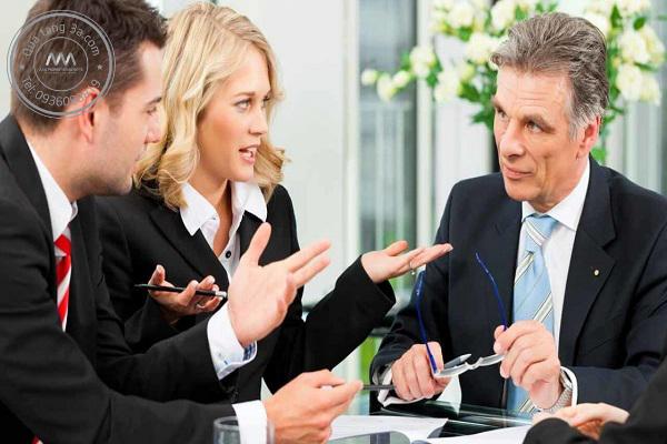 Luôn tôn trọng và lắng nghe nhân viên là yếu tố quan trọng để trở thành một người quản lý giỏi