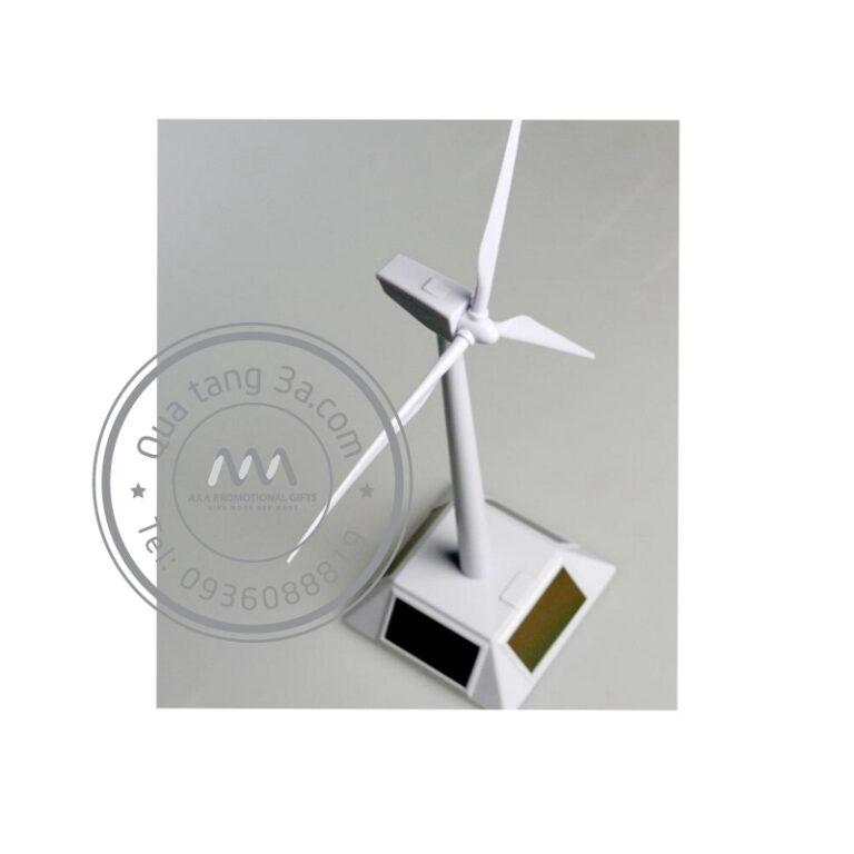 Quạt năng lượng mặt trời - Quà tặng công nghệ thân thiện với môi trường
