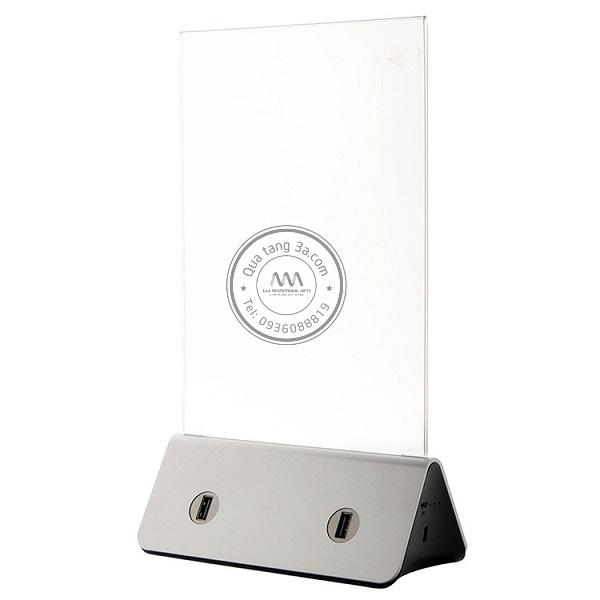 Bảng menu đèn LED có kèm sạc USB tiện lợi